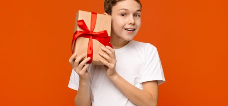 Gift Products That You Can Offer To a 14-Year Old Boy